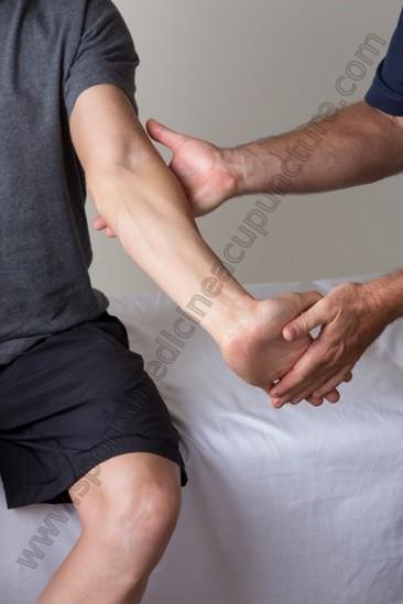 manual muscle test flexor carpi radialis